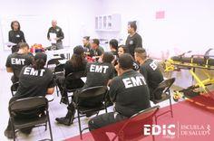 Estudiantes del programa Técnico de Emergencias Médicas.  Información: http://estudia.ediccollege.edu/solicitud_informacion