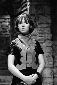 Doctor Who Wendy Padbury - Bing images Wendy Padbury, Doctor Who Companions, William Hartnell, Classic Doctor Who, Doctor Who Fan Art, Sci Fi Series, Torchwood, Best Actor, Vintage Photography