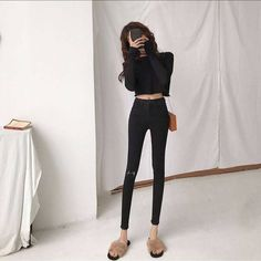 Classy Work Outfits, Cute Casual Outfits, Girl Outfits, Fashion Outfits, Girls Black Jeans, Aesthetic Clothes, Aesthetic Body, Korean Girl, Korean Style