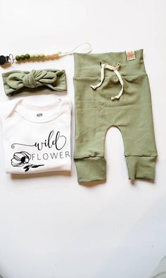 Baby Girl Fall Outfits, Baby Girl Skirts, Girls Christmas Outfits, Baby Girl Pants, Newborn Girl Outfits, Girls Pants, Baby Girl Fashion, Girls Coming Home Outfit, Take Home Outfit
