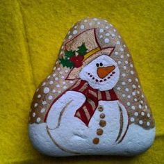 Best DIY Christmas Painting Rocks Design (12)