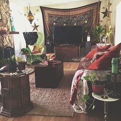 gypsy pad - except the tv has no place here...