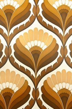 Funky Geometric Retro Wallpaper. Superb 1970s retro wallpaper with geometric pattern in shades of brown. A great design wallpaper !