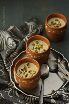 Mishti Doi is a sweetened yogurt dessert from the Indian state of West Bengal, traditionally made for religious and festive occasions including weddings. Indian Dessert Recipes, Indian Sweets, Ethnic Recipes, Indian Recipes, Yogurt Dessert, Bengali Food, Bangladeshi Food, Tandoori Masala, Yogurt Recipes