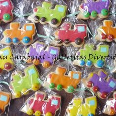 Cutest train cookies https://www.facebook.com/paucarabajal.galletitasdivertidas