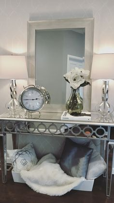 21 High Quality Mirrored Console Table Set In The Room Sample, If you are searching for a console table in order to add decor to your foyer, Haugen co. Console Table Living Room, Console Table Styling, Living Room Mirrors, Living Room Decor, Living Rooms, Living Room Images, Decoration Inspiration, Furniture Inspiration, Decor Ideas