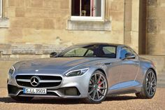 Mercedes-AMG GT - The world's next great sports car Carros Aston Martin, Aston Martin Cars, Aston Martin Vanquish, Mercedes Benz Amg, New Mercedes, Sexy Cars, Hot Cars, Lamborghini Aventador, Porsche 911