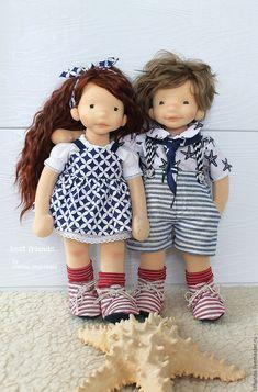 Купить или заказать Куклы в вальдорфском стиле 'Лучшие друзья' в интернет-магазине на Ярмарке Мастеров. Классные ребята для игры в компании! Сшиты из натуральных материалов высокого качества. Головы и лицо выполнены в технике сухого валяния.
