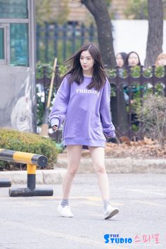 But Irene. Your walking Kpop Fashion, Korean Fashion, Girl Fashion, Fashion Outfits, Seulgi, Kpop Outfits, Cute Outfits, Asian Music Awards, Red Velvet Irene