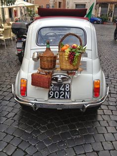 Going on a picnic...Italian style... #fiat #500 #italiandesign #italianstyle