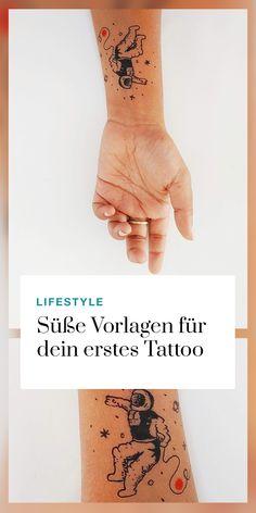 Wir sind ganz verliebt in diese filigranen Mini-Tattoos! Du bist auf der Suche nach einem unauffälligen, aber bedeutungsvollen Motiv? Hier findest du unsere Favoriten: Tattoo Motive, Mini Tattoos, Triangle, Hacks, Inspiration, Action, In Love, Nail Polishes, Searching