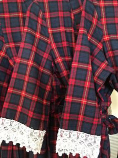 Set of 5 Flannel Robes order any sizes and pattern combinations. ** Brides flannel robe with lace neckline is sold separately. We have a selection of plaid flannels, see other photos for swatches. Available plaid choices are on the 5th photo. When placing order let us know your sizes and