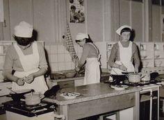 Leren koken op de huishoudschool.
