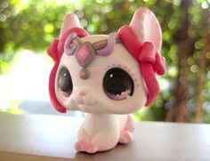 (sold) Chinchilla Princess - OOAK LPS Custom by theleyline - Hand Painted Littlest Pet Shop