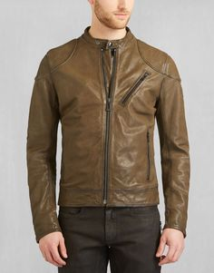 A moto blouson jacket produced in burnished leather with reinforcements to the elbow and shoulder. Shop the Maxford blouson from Belstaff UK. Belstaff, Mens Gloves, Leather Dresses, Leather Jackets, Brown Leather, Men's Fashion, Bomber Jacket, Military, How To Wear