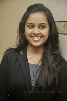 HOT ACTRESS: Sri Divya Latest Hot stills