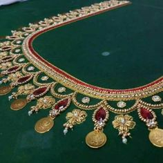 Kasu embellished blouse designs for silk saree Kids Blouse Designs, Simple Blouse Designs, Bridal Blouse Designs, Wedding Saree Blouse Designs, Mirror Work Saree Blouse, Mirror Work Blouse Design, Aari Work Blouse, Embroidery Neck Designs, Hand Embroidery