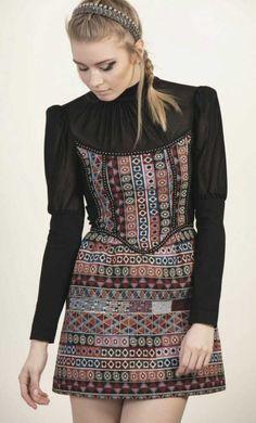 2944aa6e47 Precioso  vestido tapicero reina de  HighlyPreppy disponible en   MaribelFernández en la