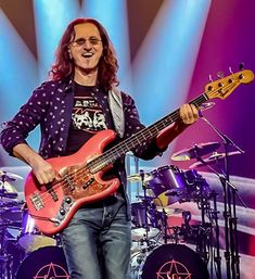 Rush Concert, Rock Bands, Guitars, Police, Catalog, Queen, Music, Entertainment, Musica