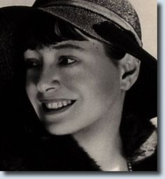 """""""The first thing I do in the morning is brush my teeth and sharpen my tongue."""" Dorothy Parker"""