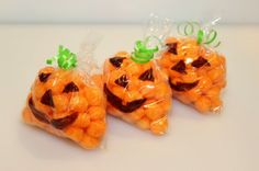 These jack-o-lantern snack bags are quick to make and would be great for a party or packed in school lunches.