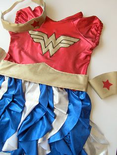 Such an adorable Wonder Woman!