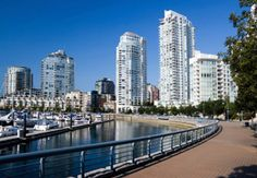 Downtown Vancouver - one of my favorite places :) Best Places To Travel, Places To See, Places Ive Been, Vancouver Neighborhoods, Downtown Vancouver, Seattle, Canada, Best Vacations, Beach Fun