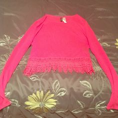 Divided pink lace boxy top! H&M cute & comfy  Super adorable knit hot pink boxy top from divided @ H&M. Great lace accent at bottom. Long sleeve. Comfortable, breathe able. Never worn, NEW WITH TAG! The tag is attached but must have been ripped halfway off somehow. Perfect for an season, any time of year, any occasion! Gorgeous color, great find! Divided Sweaters Crew & Scoop Necks