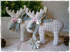 2+Elche+/+Rentiere+♥+taupe+♥+Weihnachten+♥+Shabby+von+Little+Charmingbelle+auf+DaWanda.com