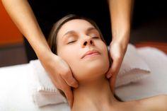 drenaż limfatyczny twarzy z ekologicznymi olejkami Aroma Serum WISE http://www.wisepolska.pl/drenaz-lifmatyczny-twarzy-naturalnymi-olejkami-serum/