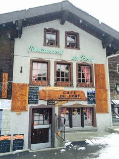 Pour une bonne fondue aux tomates   Café du Pont à Zermatt