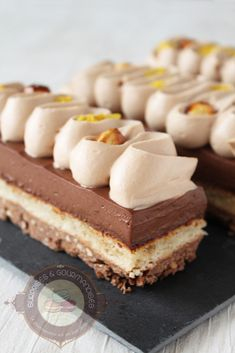 Entremets chocola'thé bergamote et gianduja - Surprises et gourmandises Desserts Français, French Desserts, Entremet Recipe, Salmon Patties Recipe, Cheesecake, Cake & Co, Yummy Food, Tasty, Vanilla Cake
