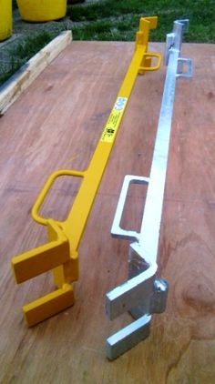 Cargo Cycles uploaded this image to 'Pallet Dismantling Bar Fraud'. See the album on Photobucket. Pallet Tool, Diy Pallet Projects, Welding Projects, Woodworking Projects, Metal Tools, Wood Tools, Palette Buster, Pallet Breaker, Pallet Building