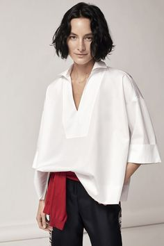 cute and comfy outfits Fashion Details, Love Fashion, Fashion Outfits, Womens Fashion, Fashion Design, Carolina Herrera, White Shirts Women, Minimal Fashion, Coats For Women