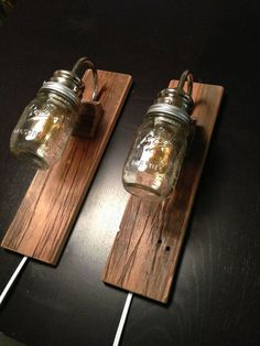 Rustic Bedside Lamps - made with REclaimed Barn Wood - Industrial Lighting. Use the LED lamps instead of regular ones Rustic Furniture, Diy Furniture, Furniture Plans, Luminaria Diy, Diy Luminaire, Deco Champetre, Diy Holz, Reclaimed Barn Wood, Weathered Wood