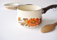 Vintage Italian Cookware, 1970s Floral Cookware, Autumn Decor Skillet and Saucepan, Moneta Cookware, Vintage Retro Kitchen, Orange Yellow