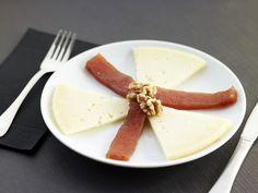 Codony amb formatge i nous.