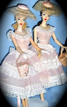 Barbie Fashion Icon of the - TWINS and Variations! - A site to showcase collections of Vintage Barbie dolls and fashions. Old Barbie Dolls, Vintage Barbie Clothes, Barbie Doll House, Mattel Barbie, Barbie And Ken, Vintage Dolls, Dolls Dolls, Barbie Family, Barbie Accessories
