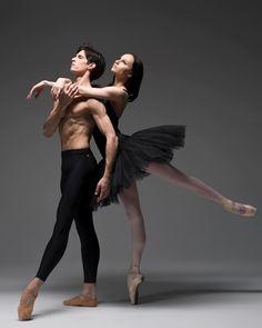 10.3 тыс. отметок «Нравится», 40 комментариев — Master of Ballet Photography (@darianvolkova) в Instagram: «Кто такой балетный фотограф? Как думаете? Есть достаточное количество людей, которые снимаю в…»