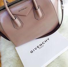 ✦⊱ɛʂɬཞɛƖƖą⊰✦ Women's Handbags Wallets - amzn.to/2huZdIM - Handbags & Wallets - http://amzn.to/2hEuzfO