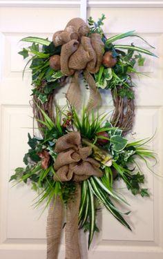 Woodsy Fish Wreath van WilliamsFloral op Etsy,