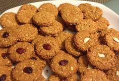 Diétás zabpehely keksz Healthy Snacks, Healthy Recipes, Paleo Dessert, Biscotti, Cereal, Bakery, Sweets, Cookies, Breakfast