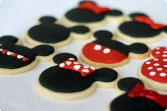Today I'm feeling all Disney inside and I decided that some Mickey and Minnie Cookies were in order.  My family and I are fresh off a Disneyland vacation and I do believe it is the happiest place on earth. (Though sometimes you do wonder when you witness a child melting down from being off their nap schedule and the parents