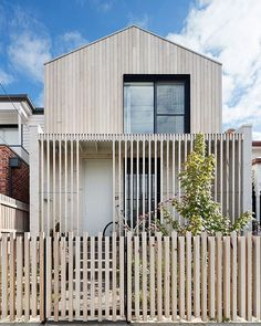 As a contemporary terrace house for a young family in Brunswick, LLLBion House by Tecture has been designed as a home filled with love and laughter. Facade Design, Fence Design, Terrace Design, Residential Architecture, Modern Architecture, Museum Architecture, Halls, Backyard House, Suburban House