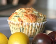 Saftige madmuffins med squash, ost og timian Dalsgaard i Skivholme is part of Squash muffins - Squash Muffins, Great Recipes, Favorite Recipes, Antipasto, I Foods, Raisin, Food Inspiration, Tapas, Feta