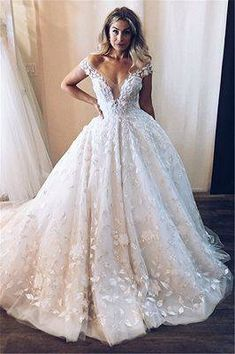 Stunning Off-the-Shoulder V-Neck Appliques Ball Gown Tulle Wedding Dresses Atemberaubende Off-the-Shoulder-Applikationen mit V-Ausschnitt Ballkleid Tüll Brautkleider Wedding Dresses With Straps, Applique Wedding Dress, Lace Mermaid Wedding Dress, Best Wedding Dresses, Perfect Wedding Dress, Mermaid Dresses, Bridal Dresses, Wedding Gowns, Tulle Ballgown Wedding Dress