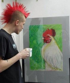 I knew a punk rocker that had a mow hawk & he loved roosters. I called him Rooster Boy! I knew a punk rocker that had a mow hawk & he loved roosters. I called him Rooster Boy! Punk Art, Arte Punk, Crust Punk, Punk Mohawk, Punk Mode, Grunge, Punks Not Dead, New Wave, Rock Style