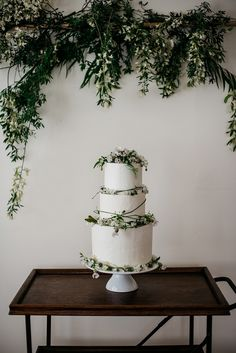 simple three tier botanical cake - 7 Fabulicious Wedding Cake Trends for the Coming Season ⋆ PAPER & LACE