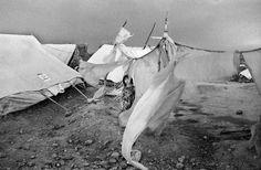 pakistan, 2001 - afghan girl in refugee camp near peshewar - christopher anderson
