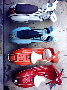 Vespa's via http://thevintagologist.tumblr.com/ : more than 10.000 posts of vintage lifestyle, design, fashion, art, cars, architecture, music and stuffs.